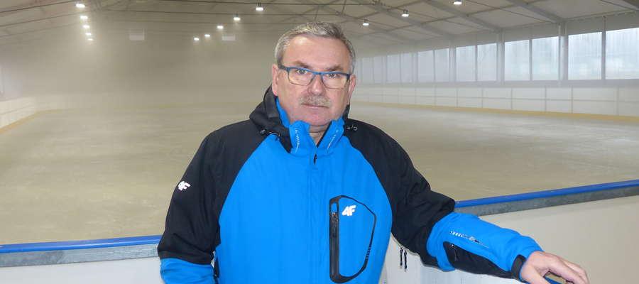 Wojciech Żmudziński, dyrektor Iławskiego Centrum Sportu, Turystyki i Rekreacji zaprasza do korzystania z lodowiska