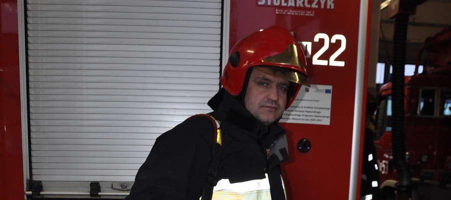 Asp. sztab. Krzysztof Szram już drugi raz w ciągu kilku miesięcy uratował życie stosując resuscytację krążeniowo-oddechową za pomocą defibrylatora
