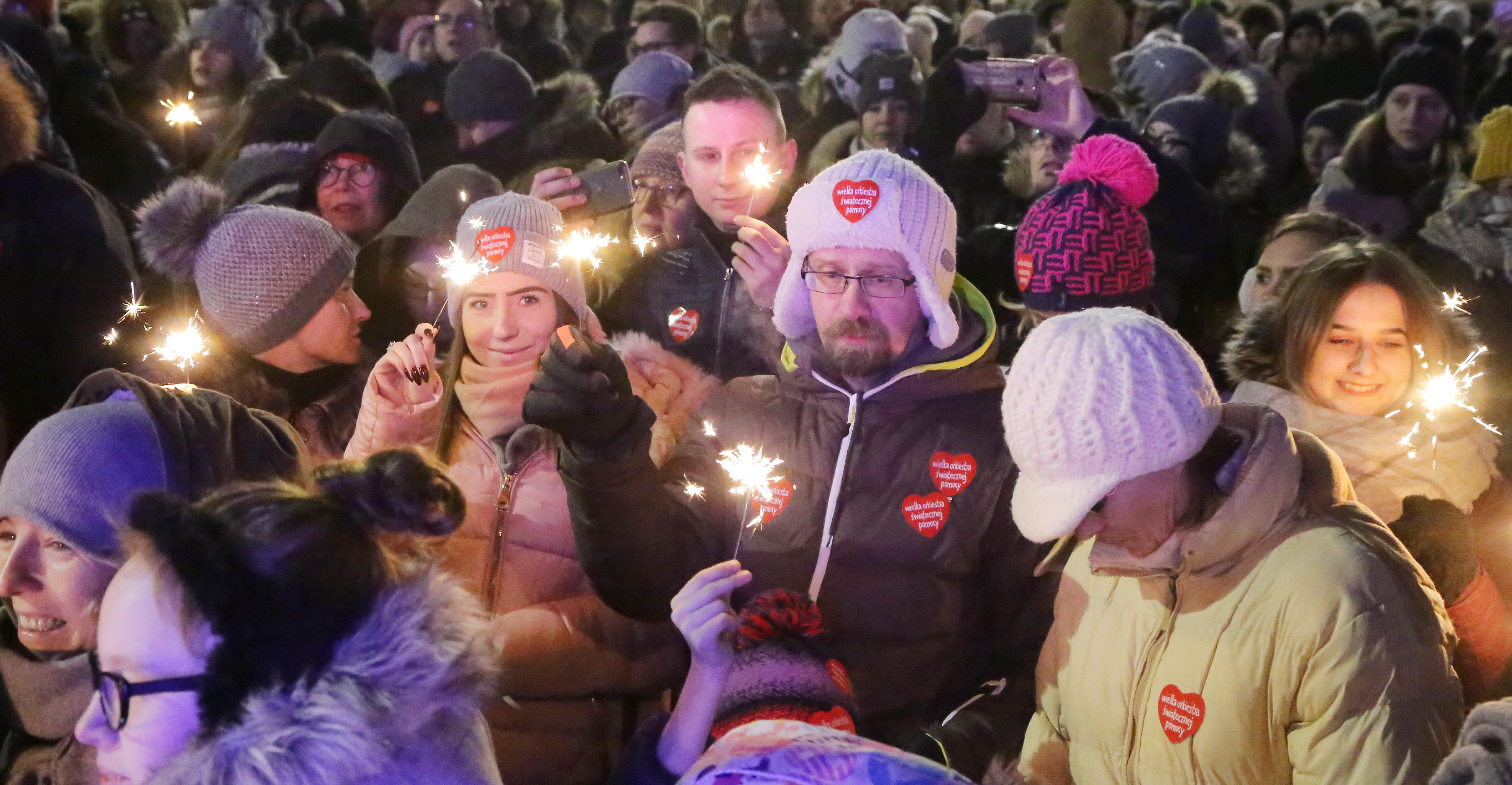 Światełko do nieba  Olsztyn-WOŚP koncert finałowy i pokaz sztucznych ogni