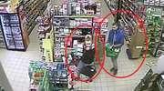 Nagrał ich monitoring. Policja szuka sprawców kradzieży w sklepie [film]