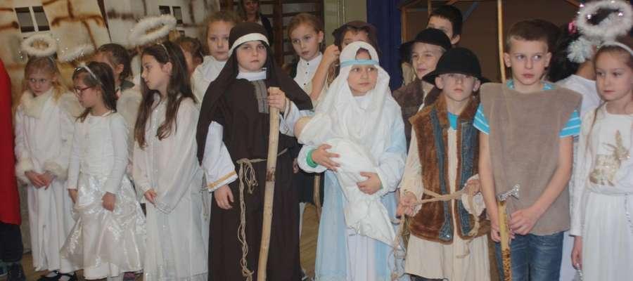 Dzieci wcieliły się w role biblijnych postaci