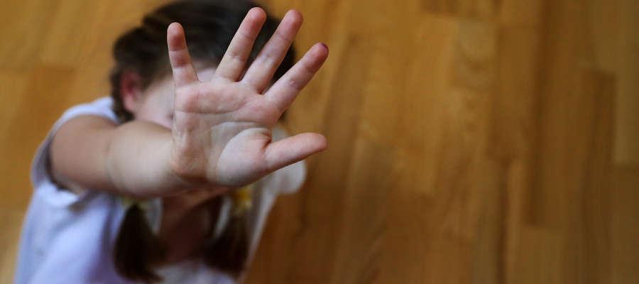 Jawne są dane najgroźniejszych gwałcicieli i pedofilów, którzy dopuścili się gwałtów na dzieciach poniżej 15. roku życia