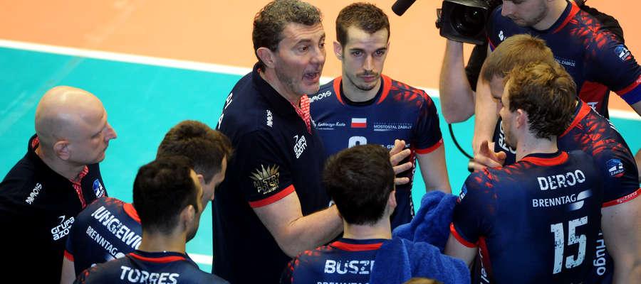 Podopieczni trenera Andrei Gardiniego (który jeszcze w zeszłym sezonie pracował w Olsztynie) mają na koncie trzy porażki z rzędu, a w sobotę zagrają w Uranii z Indykpolem AZS