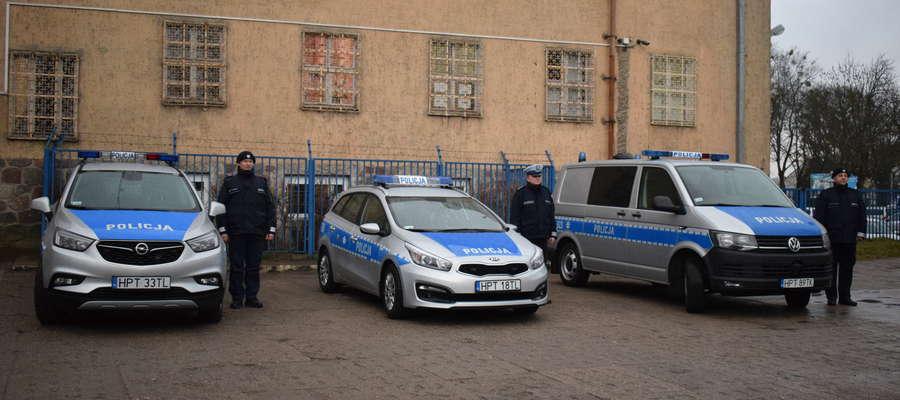Flota pojazdów mrągowskiej policji zwiększyła się o trzy samochody służbowe