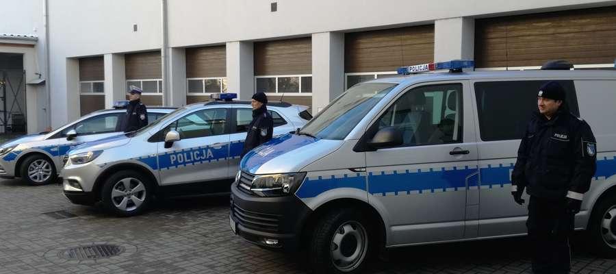 Flota pojazdów nowomiejskiej policji zwiększyła się o trzy samochody służbowe