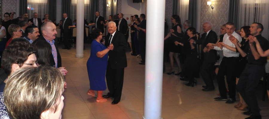 Taniec — dedykacja dla sołtysa i jego małżonki