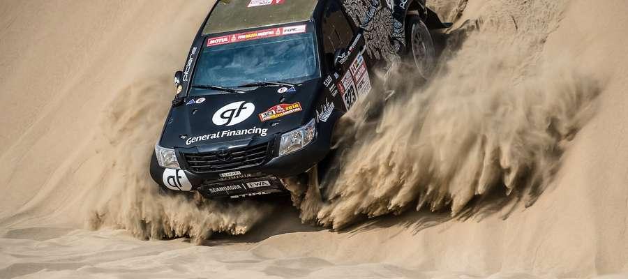 Załoga Vanagas/Rozwadowski podczas trzeciego etapu 40. Rajdu Dakar