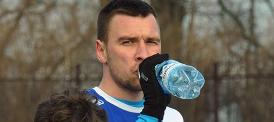 Obrońca Dawid Kowalski zdobył dla Jezioraka bramkę w meczu z Zawiszą