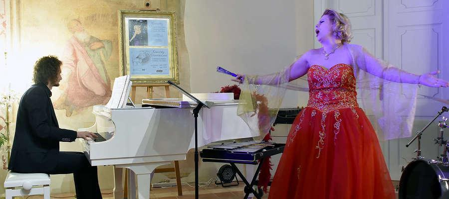 Podczas koncertu wystąpiła sopranistka Ewa Alchimowicz-Wójcik