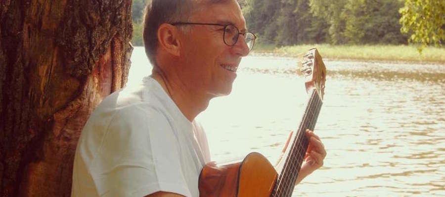 Jacek Gessek jest z zawodu lekarzem kardiologiem ale także muzykiem