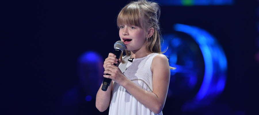 Gabrysia Piotrowska podczas występu w The Voice Kids