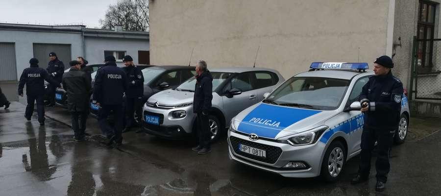 Nowe samochody już pełnią służbę na drogach powiatu kętrzyńskiego