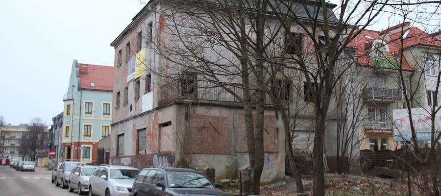 Zdewastowany budynek przy ul. gen. J. Zajączka 5 zmienił właściciela
