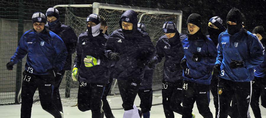 Zima, nie zima — trenować trzeba, bo awans sam się nie wywalczy...