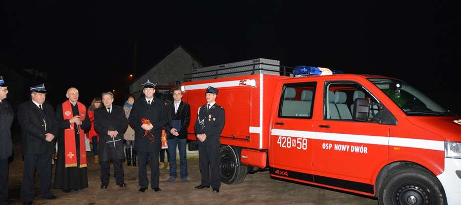 Nowy wóz ratowniczo-gaśniczy dla strażaków ochotników [zdjęcia]