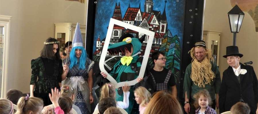 Teatr To i Owo z Ornety wystąpił w Oranżerii Kultury w Lidzbarku Warmińskim z okazji Dni Teatru