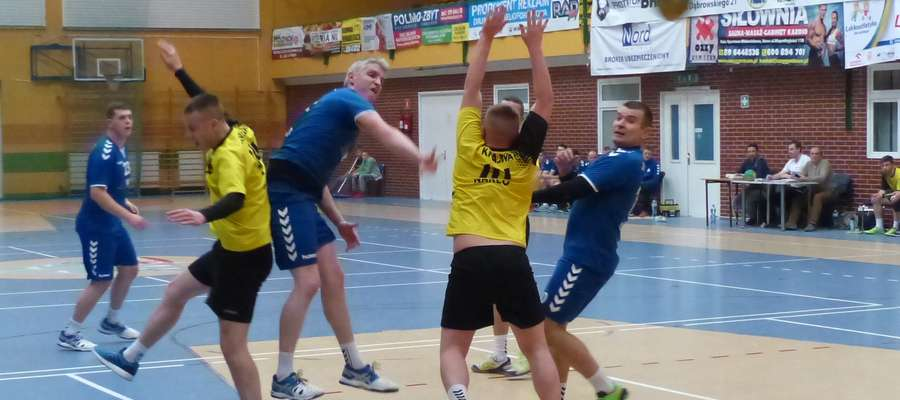 Piłkarze ręczni Jezioraka Iława już dawno nie grali w swojej hali