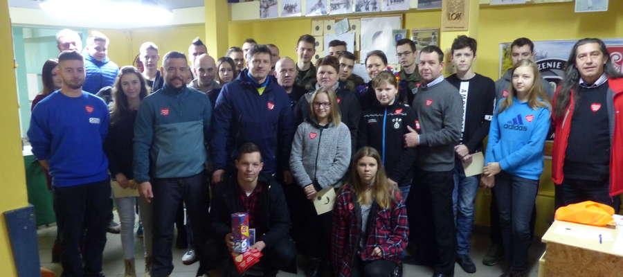 Zawody strzeleckie na rzecz WOŚP odbyły się na strzelnicy pneumatycznej przy ul. Wyszyńskiego w Lidzbarku Warmińskim. Wzięło w nich udział 36 osób