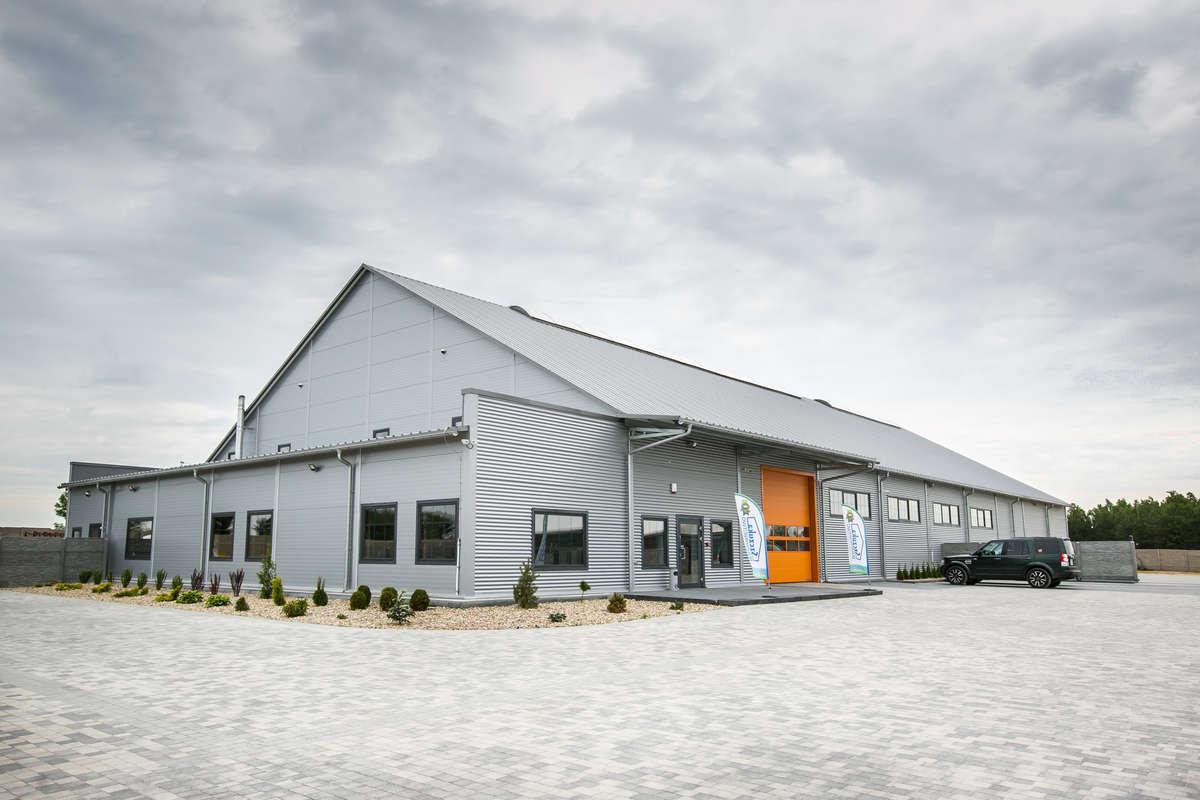 Nowa siedziba Przedsiębiorstwa Budowlanego Szczuka w Woszczelach koło Ełku