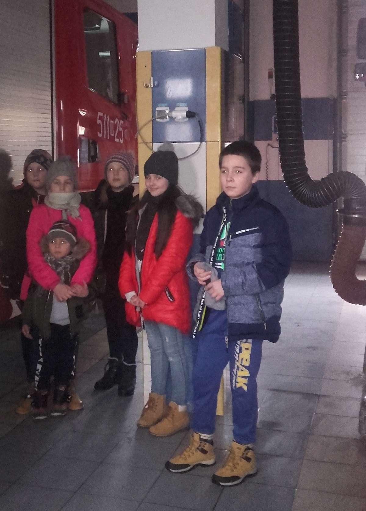 Uczniowie SP 2 odwiedzili nowomiejskich strażaków