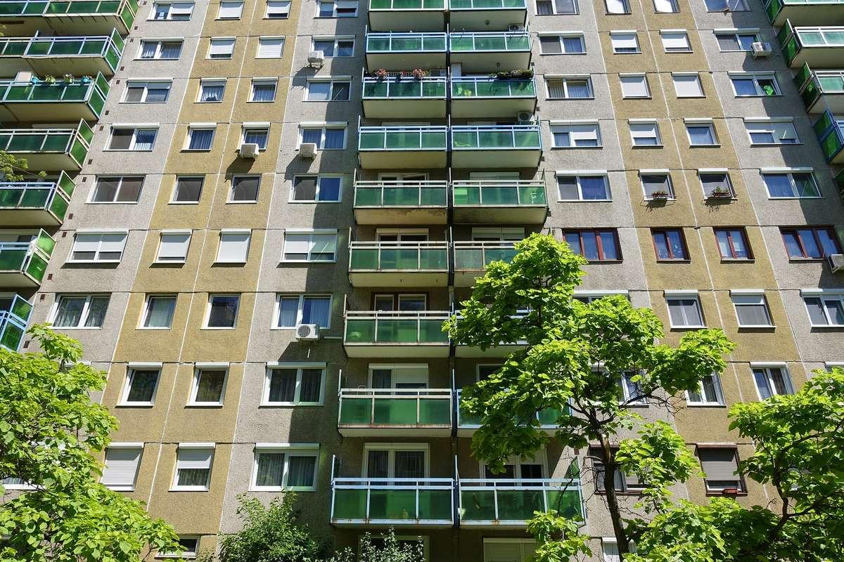 Jak zamienić duże mieszkanie w dwie kawalerki? - full image