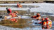 Strażacy ochotnicy ćwiczyli jak ratować ludzi spod lodu [zdjęcia]