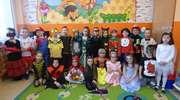 Karnawałowe tańce w przedszkolu