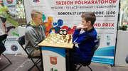 Przy szachownicach promowali Grand Prix Trzech Półmaratonów