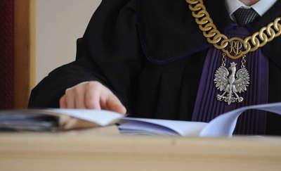 W mławskim sądzie rozpoczął się proces nauczycielki z Bieżunia.