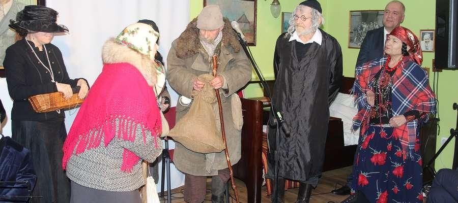 Zapustnicy z Radzanowa rozbawili publiczność