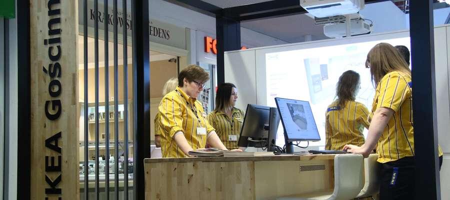 """Punkt konsultacyjny """"IKEA Gościnnie""""  Olsztyn- IKEA otworzyła w Olsztynie punkt konsultacyjny """"IKEA Gościnnie"""". Punkt zlokalizowany jest w Galerii Warmińskiej."""