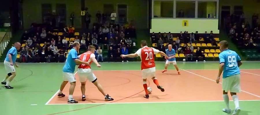 W rundzie zasadniczej Agro Partner Old Boys wygrali z Alpi Janowiec Kościelny 3:0