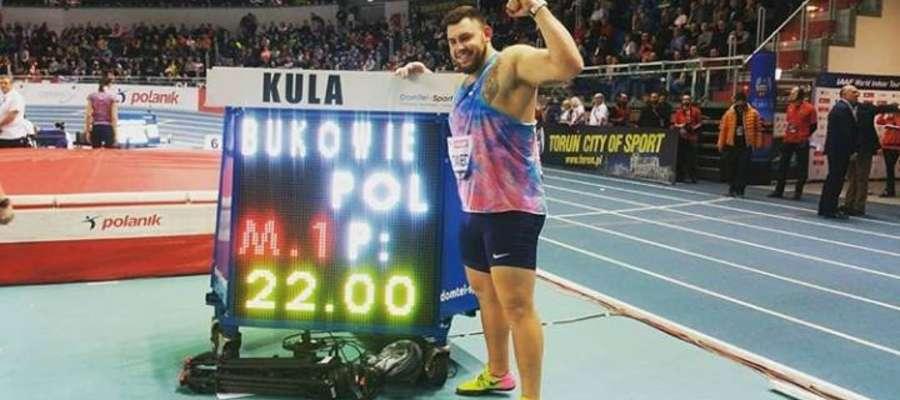Rekordowe 22 metry! Brawo Konrad!