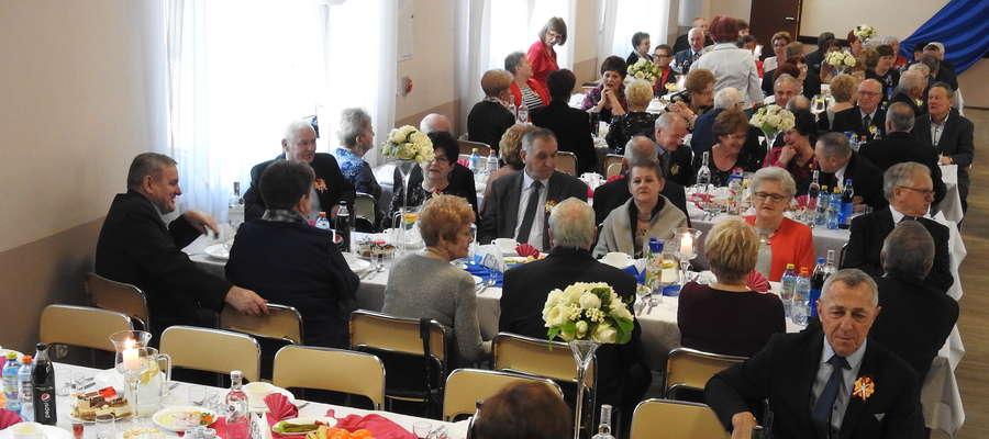 Na zabawie w Mszanowie pojawiło się 126 osób