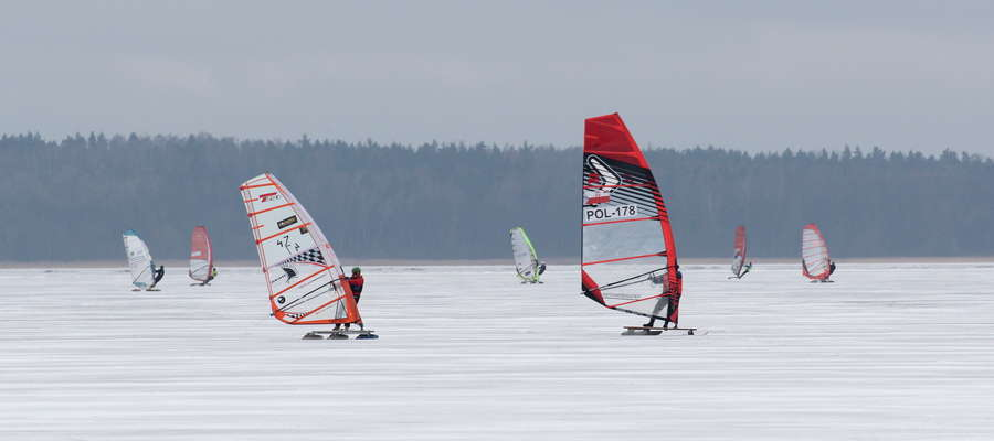 MP w Windsurfingu Śnieżno-Lodowym na jeziorze Niegocin