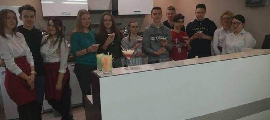 Młodzież gimnazjalna wie jak należy żyć i jeść zdrowo