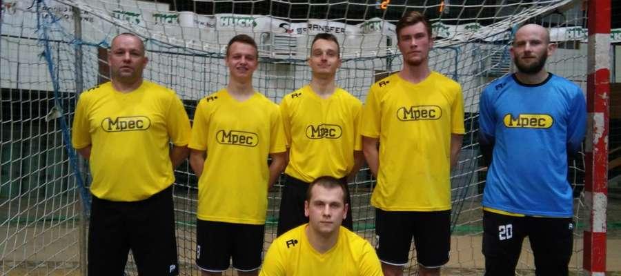 MPEC (Kacper Golks stoi drugi z prawej)