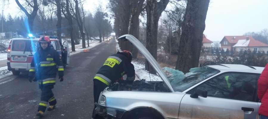 Strażacy działali m.in. przy wypadku, który zdarzył się 8 lutego przy ul. Młodkowskiego w Mrągowie
