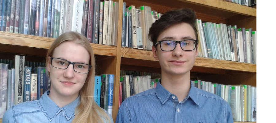 Aleksandra Skorupska i Mirosław Harach z II Liceum Ogólnokształcącego im. G. Gizewiusza w Giżycku
