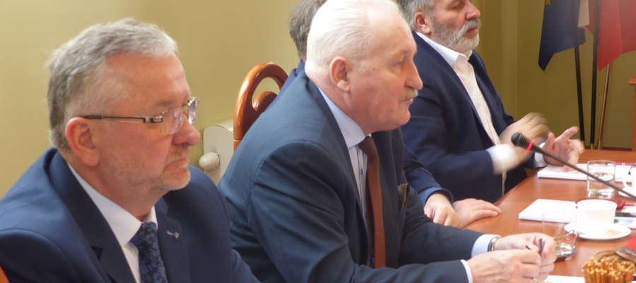 Spotkanie w Starostwie Powiatowym w Elblągu odbyło się z udziałem Gustawa Marka Brzezina, marszałka województwa