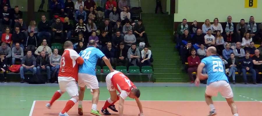 W finałowym meczu do końca trwała zażarta walka