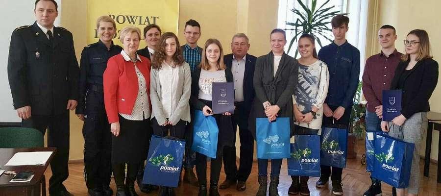 Fot. XXIII powiatowa edycja Wojewódzkiej Olimpiady Wiedzy o Obronie Cywilnej.