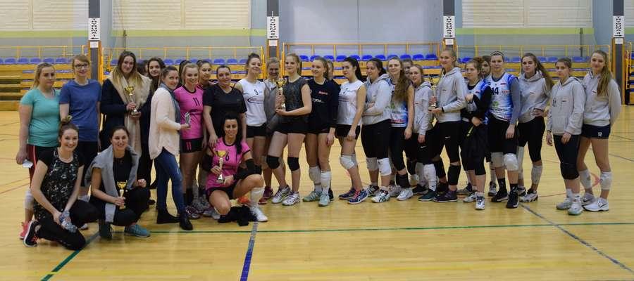 Zakończył się pierwszy sezon rywalizacji siatkarek o amatorskie mistrzostwo Ostródy