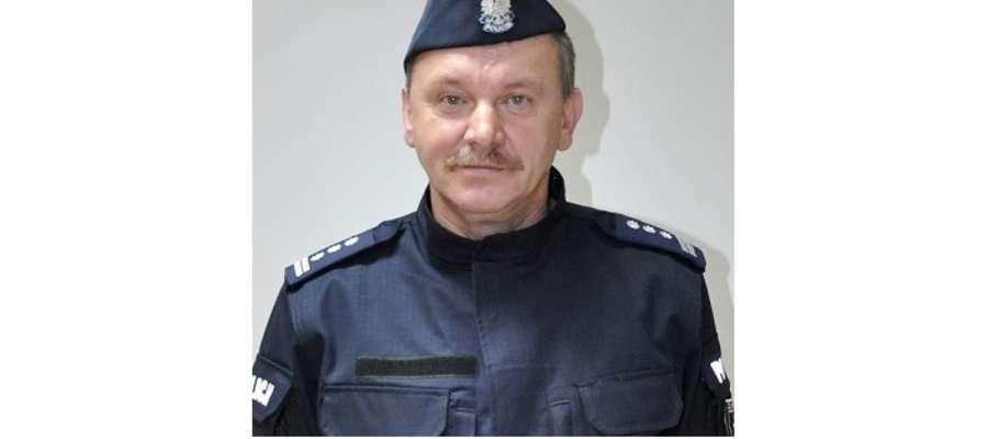 Komendant Witold Lemański w nowym umundurowaniu