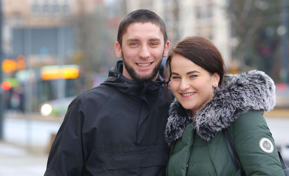 Sonda pożyczki młodzież  Olsztyn-sonda z A.Mielnickim o braniu pożyczek i zadłużaniu się przez młodych ludzi Nz.