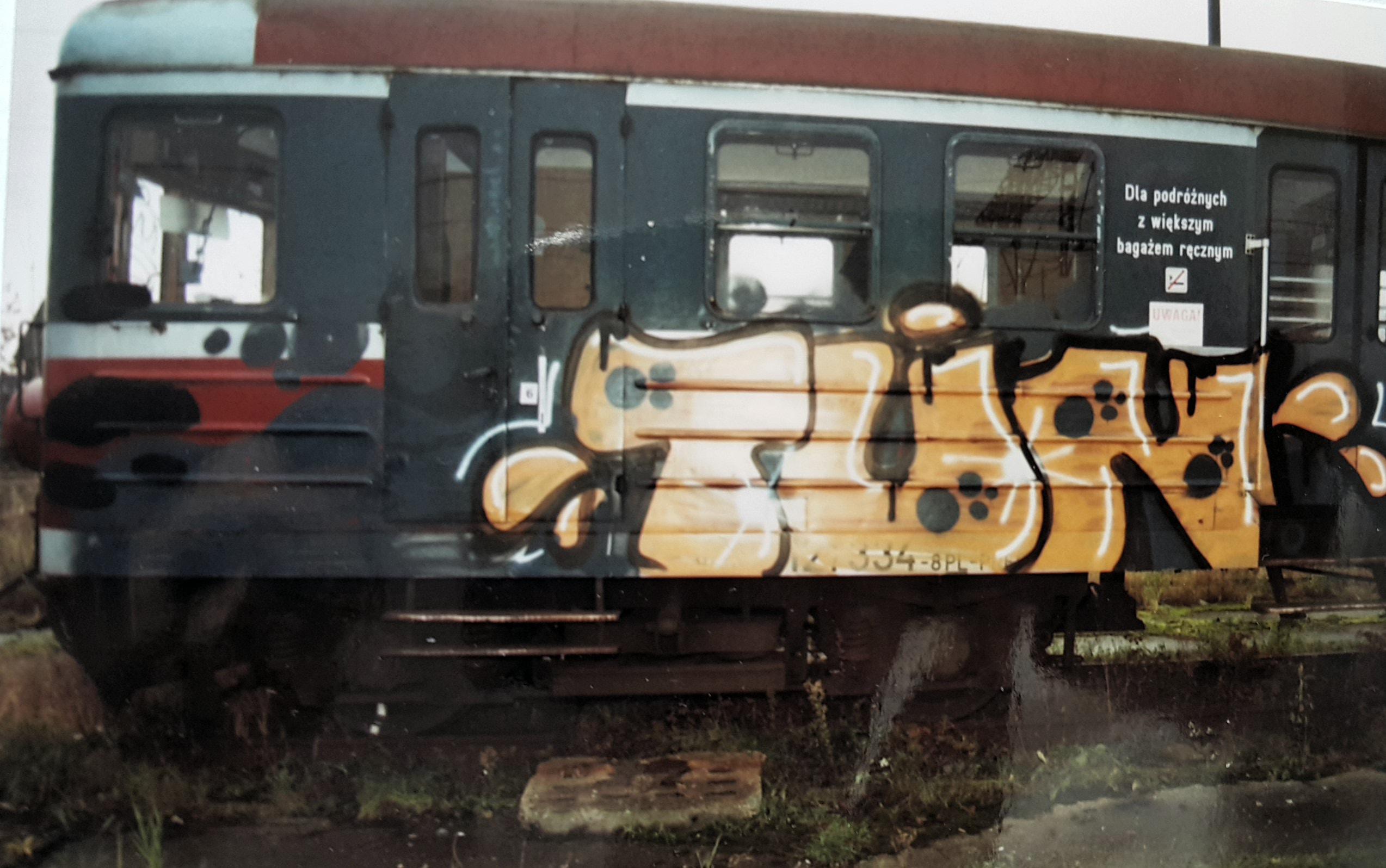 http://m.wm.pl/2018/03/orig/graffiti-podejrzanego-1-451943.jpg