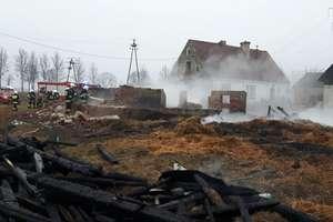 Pożar budynku gospodarczego w Niedźwiedzkich w gminie Wieliczki