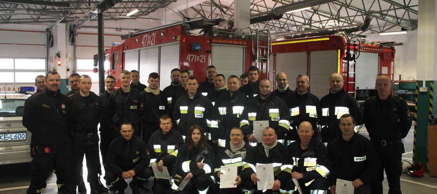 W ostatnim szkoleniu strażaków ratowników wzięło udział aż 10 ochotników z OSP Pilec.