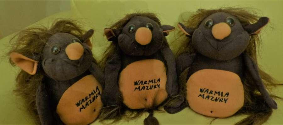 Są dowody na to, że nie wszystkie kłobuki wyginęły. Pewna niewiasta w Węgorzewie ma aż trzy latańce!
