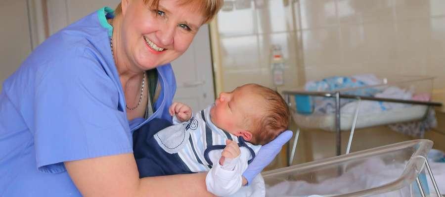 Elżbieta Wójtowicz położna  Olsztyn-Elżbieta Wójtowicz  druga najlepsza w Polsce położna pracuje w Szpitalu Wojewódzkim Nz.dziecko Julian Hincman